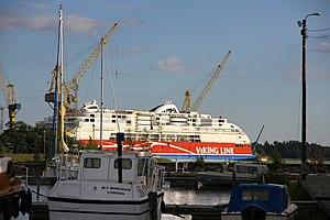 MS Viking Grace, Pernon telakka, Hahdenniemen venesatama, Raisio, 11.8.2012.JPG