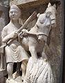 Maestro dei mesi, 07 trebbiatura del grano (luglio), 1225-1230 ca. 03.JPG