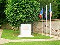 Magny-en-Vexin (95), monument pour les combattants morts en Algérie, Maroc, Tunisie 1952-1962, parking de la mairie.jpg
