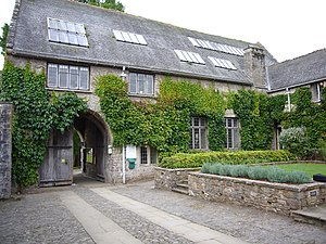 Dartington Hall - Image: Main entrance Dartington