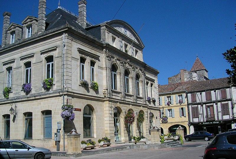 File:Mairie Ste-Foy-la-Grande - panoramio.jpg