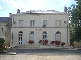 The town hall in La Chapelle-aux-Naux