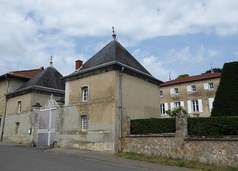 Maison XVIIIème siècle à  Bey-sur-Seille en Meurthe-et-Moselle (France).