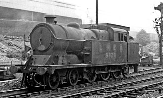 GCR Class 9N - A5/1 No. 9828 outside Marylebone station 1947