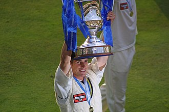 Matthew Wood (cricketer, born 1977) - Matthew Wood lifting the C&G Cup for Yorkshire