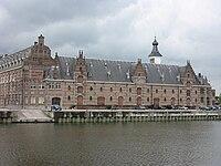 Mechelen zwemdok zijaanzicht.jpg