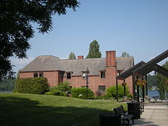Mercer Island, WA - Luther Burbank School dorm 03.jpg
