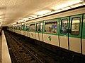 Metro Paris - Ligne 13 - station Saint-Lazare 03.jpg
