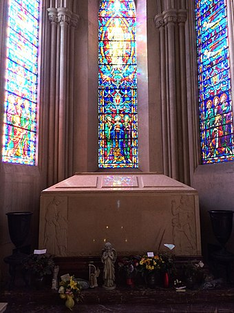 Jackson's tomb in the Holly Terrace of the Great Mausoleum, Forest Lawn Glendale Michael Jackson Grave.jpg