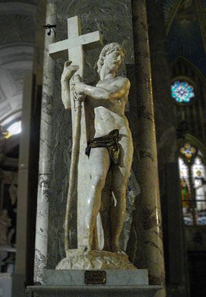 Santa Maria sopra Minerva - Michelangelo's Christ the Redeemer near the altar