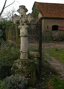 Millencourt-en-Ponthieu, Somme, Fr, la vieille croix-2012.jpg