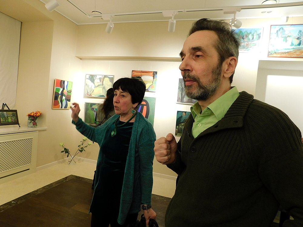 Minima gallery opening (Green collisions; 2018-12-01) 13.jpg