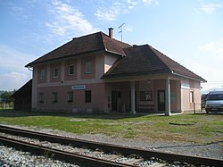 Mokronog train station.jpg