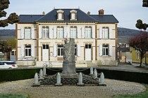 Monument aux morts Mairie Vinay 00230.JPG