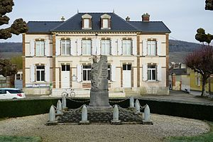 Monument aux morts Mairie Vinay 00230.JPG