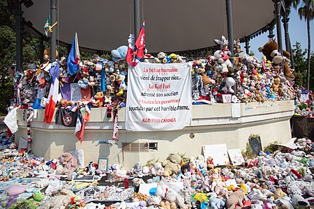 Monuments and memorials to the 2016 Nice attacks-481.jpg