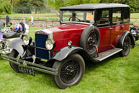 Morris Oxford Six saloon 1930.jpg