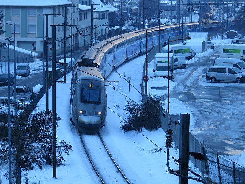 File:Moutiers - ligne chemin de fer - janvier 2015.jpg
