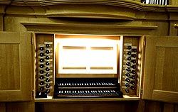 Muenchen HMTM West-Orgel-Spielschrank.jpg