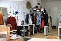 Murgui y Gómez visitan a artistas y artesanos en Carabanchel apostando por la cultura en los barrios 02.jpg