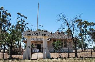 Mysia, Victoria - War Memorial School