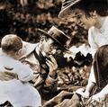 Nauen heinrich malachowski marie + nora 1910.png