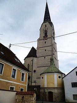 Neukirchen an der Enknach - Kirche.jpg