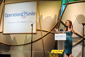 Nicole Lapin - Lapin speaks at the Operation Smile Gala in October 2009