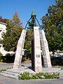 Nogent-sur-Oise (60), monument du millénium, à côté de l'hôtel de Ville, rue du général de Gaulle.jpg