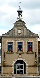 The town hall in Oucques