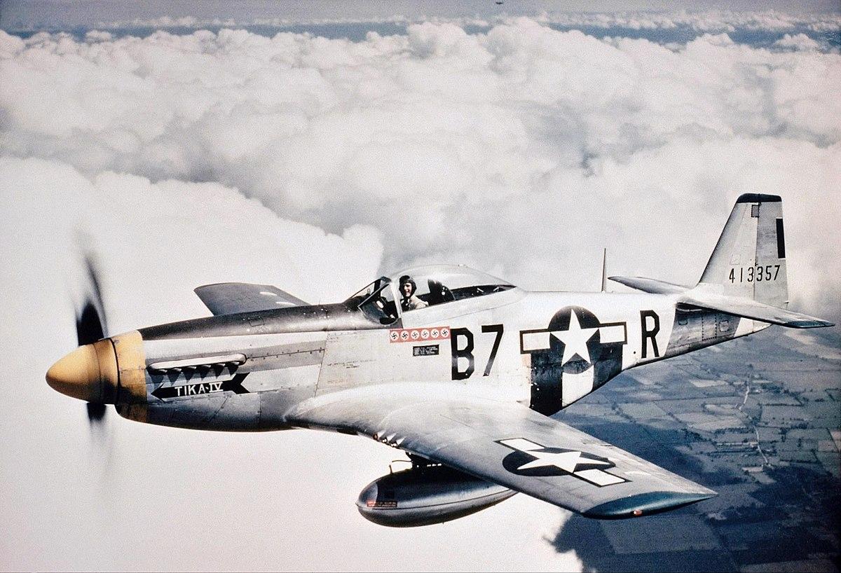 1200px-P-51-361.jpg