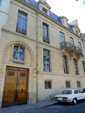 Hôtel de Lauzun - The north facade, facing the quai d'Anjou and the Seine