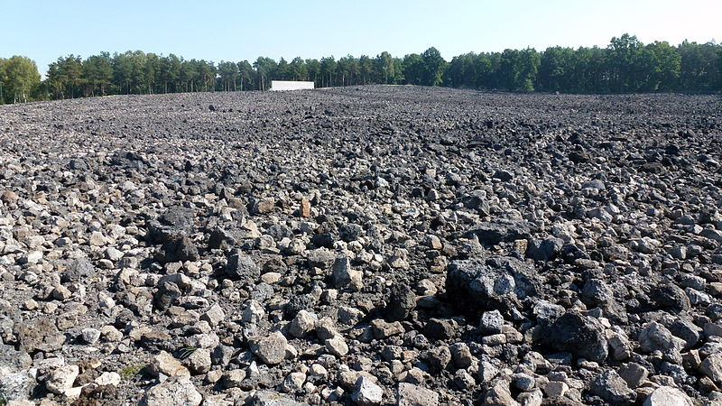 File:PL Belzec extermination camp 10.jpg