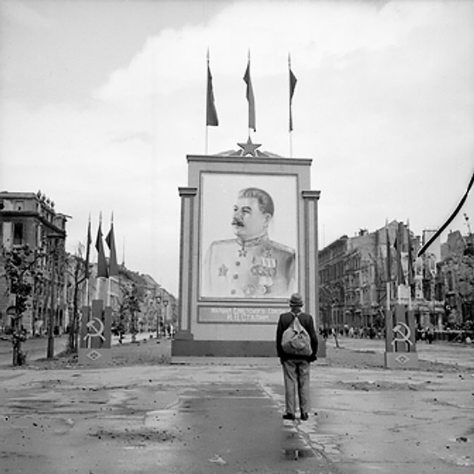 Painting of Stalin on the Unter-den-Linden