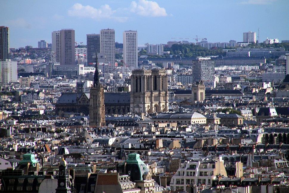 Paris-von Montmartre-164-Notre Dame-2017-gje