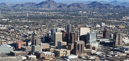 Финикс, Аризона, центр города из самолета (обрезано) .jpg