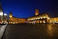 Piazza Maggiore notturna.jpg
