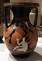Pittore di atene 1472, pelike con peleo che sorprende teti, 350-330 ac ca.jpg