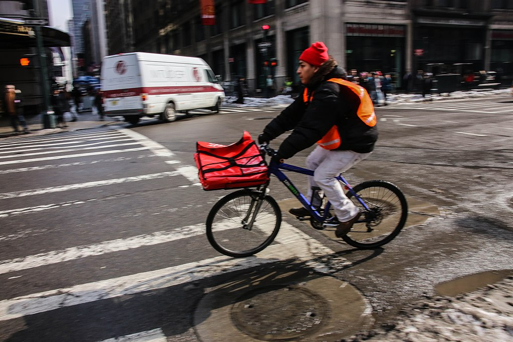 Pizza Delivery (12649231983)