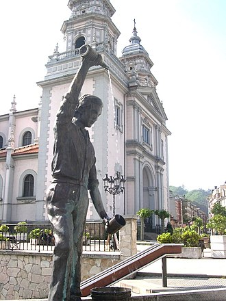 Mieres - Requexu Square and St. John's Church