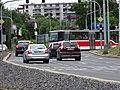 Plzeňská, křižovatka s Makovského, od Hlušičkovy.jpg