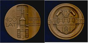 Piotrków Trybunalski - Polish medallion 1978 400th anniversary of the Crown Tribunal, then the highest court of Poland at Piotrków Trybunalski.