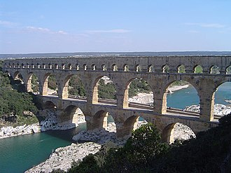 Nîmes - Pont du Gard from the south bank