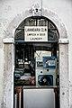 """Portugal no seu melhor """"CLIN"""" laundry (8377748786).jpg"""