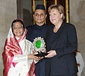 Pratibha Devisingh Patil confers Jawaharlal Nehru Award for International Understanding for the year 2009 to the German Chancellor, Ms. Angela Merkel, at Rashtrapati Bhavan, in New Delhi. The President.jpg