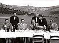 Predsednik Tito sa pratnjom na doručku u planinskom mestu Kovren.jpg