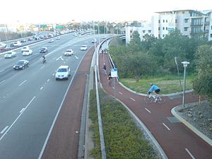 Transport in Perth, Western Australia - Many of Perth's cycling routes run along other transport routes, such as rail lines and freeways. This makes them popular for commuters. Other routes in parks and along coastlines serve more recreational users.
