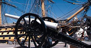 Ordnance QF 12-pounder 8 cwt - Image: QF 12 pdr 8 cwt & HMS Victory