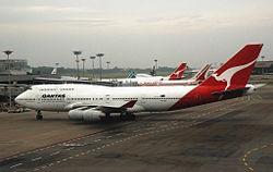 250px-Qantas_Boeing_747-400%2C_VH-OJH%2C_SIN_for_web.jpg