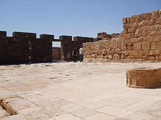 Qasr Al-Hallabat - Image: Qasr Al Hallabat, entrance courtyard